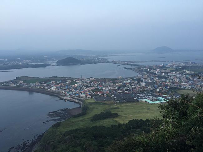 城山日出峰(ソンサンイルチュルボン / 성산일출봉)