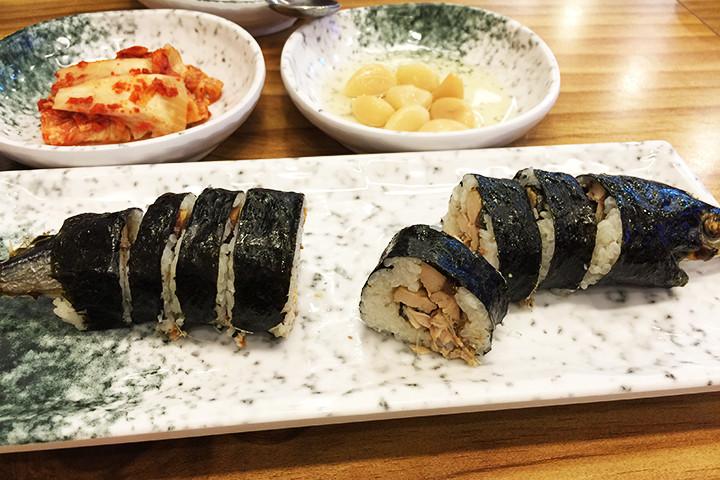さんま海苔巻(コンチキンパッ / 꽁치김밥)の中身