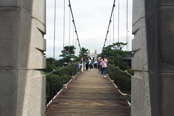 竜淵橋(ヨンヨンバシ)