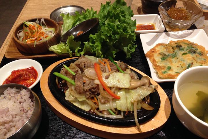 「お腹すいた(おなかすいた)」を韓国語では?