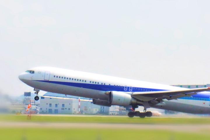 「飛行機(ひこうき)」を韓国語では?
