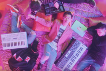 CRUSH「Woo Ah」「9 to 5」の2曲のミュージックビデオを公開!