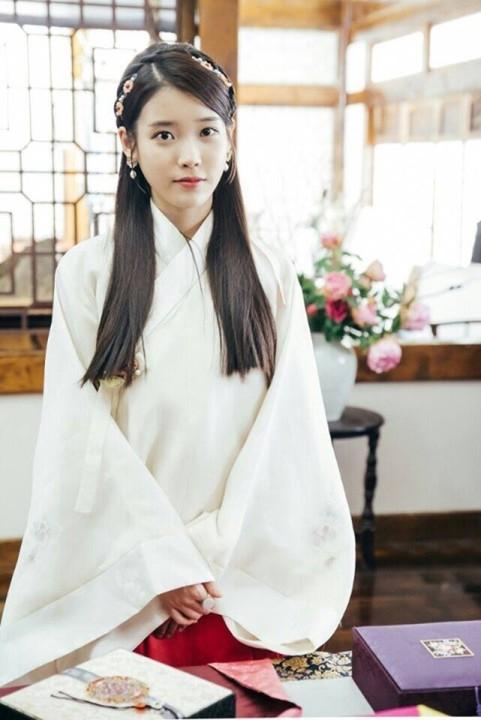 IU(アイユー)/ヘス役