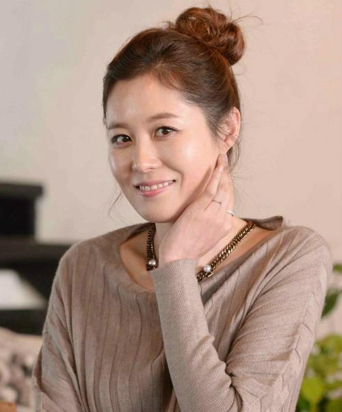 「青い海の伝説」出演のムン・ソリ(문소리)
