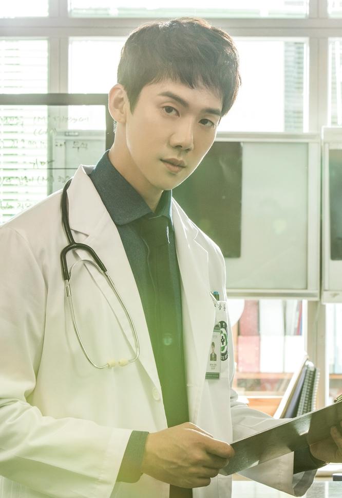 「浪漫ドクターキム・サブ」出演のユ・ヨンソク(유연석)