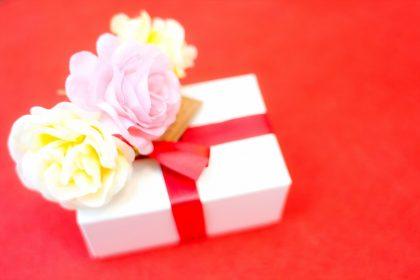 「プレゼント・お土産」を韓国語では?韓国旅行のおみやげや誕生日プレゼントなどの言い方