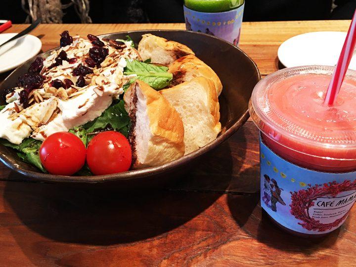 カフェママスのリコッタチーズサラダとフレッシュジュース