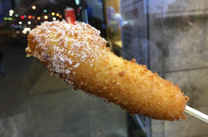 「ホットドッグ、アメリカンドッグ」を韓国語では?ソーセージに衣をつけて油で揚げた食べ物