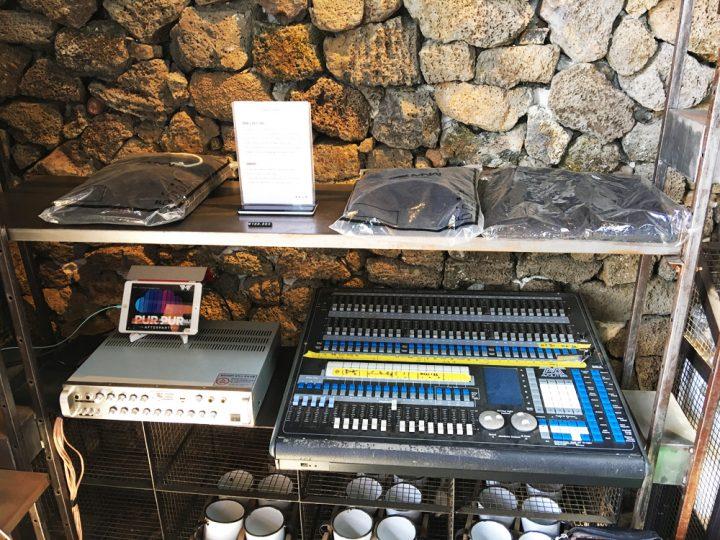 monsant店内の音楽機材