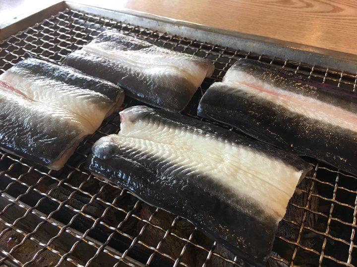 チャンオナラ/장어나라(ウナギの国)焼く