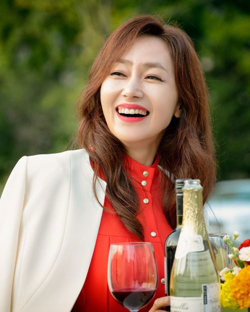 「夫婦の世界」出演のキム·ソンギョン(김선경)